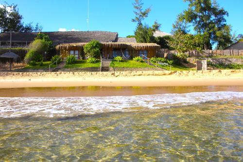 Casa na Praia Tofo- beach front hotel