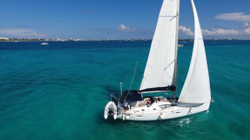Sail-Boat Velero Perla