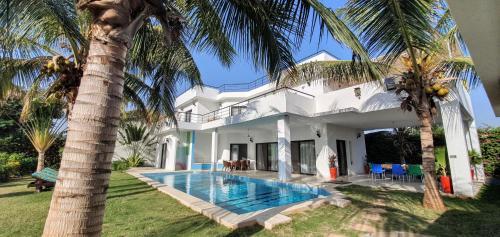 Maison Blanche Ngaparou près Saly