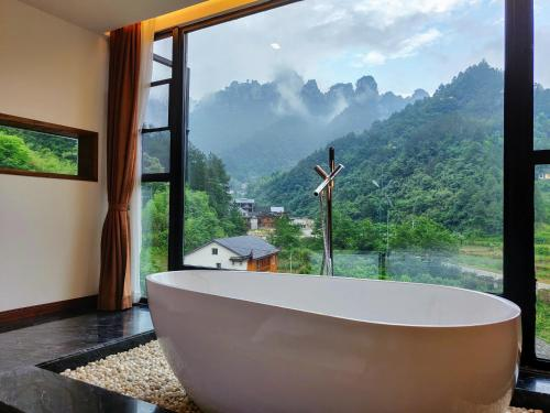 Whispering Mountains Boutique Hotel