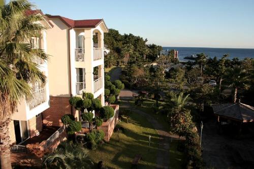 Sunnyville Resort