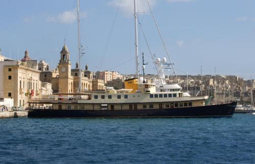 Seagull II Luxury Historic Static Charter