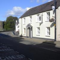 Castle Square Apartments Beaumaris