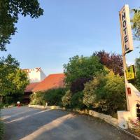 Logis La Belle Poule, hotel in Rochefort