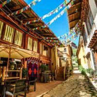 Shangri-La E-outfitting Hostel