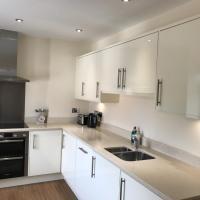 Quarters - Riverside Apartment