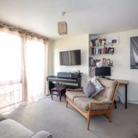 Lovely 2-BD Flat in North London