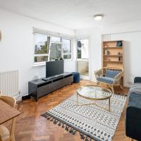 3Bed Stylish Stockwell Apt, 3mins to Victoria line