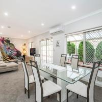 Luxury Federation Style Home - Sleeps 10