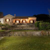 Villa Quietude, beach front villa with a pool
