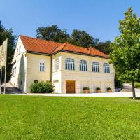 Villa Istenič