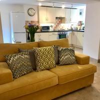 Quarters - Abingdon Road Apartment