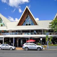 Airlie Waterfront Accommodation