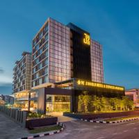 Jinhold Hotel & Serviced Apartment, hotel near Miri Airport - MYY, Miri