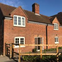 Quarters - Courtyard Cottage