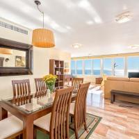 Three-bedroom apartment Amalia