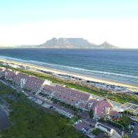 Dolphin Beach Hotel Self Catering Apartments, hotel in Bloubergstrand