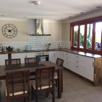 TAKURA HEIGHTS Modern Country Apartment with pool access