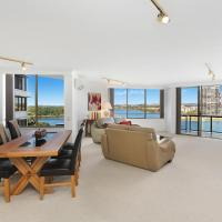 Yacht Harbour Towers Unit 3F - Two bedroom On the hill overlooking the Tweed Harbour