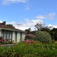Valley Views Motel & Chalets