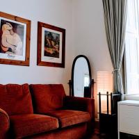 1 Bedroom Open Plan Apartment, Accommodates 4