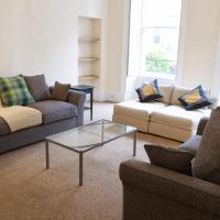 3 Bedroom Apartment Accommodates 8