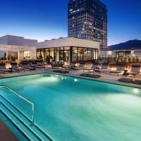Luxury, Hollywood Modern