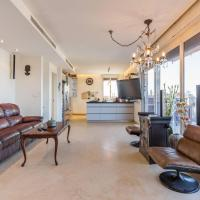Family Penthouse, sea front , 3 bedrooms