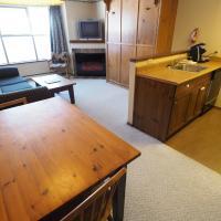 Apex Mountain Inn Suite 207-208 Condo