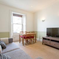 Central Edinburgh Apartment Close to Grassmarket, Haymarket and Princes Street