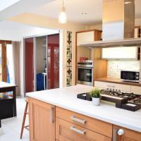 5 Bedroom House in Drumcondra Sleeps 10