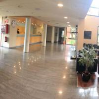 Booking.com: Hoteles en Sant Esteve Sesrovires. ¡Reserva tu ...