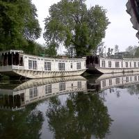 TIH Butts Clermount Houseboat, hotel in Srinagar