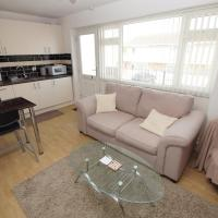 2 Bed Apartment w/private access to 7 miles of sandy beach - Sleeps 4