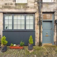 Prestigious Location - Quintessential Mews House
