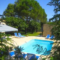 Attractive, Provencal villa with heated private pool and extensive views