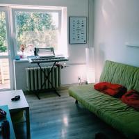 Apartment on B Khelmintskogo 19