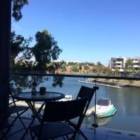 Marina View Apartment on the Maribyrnong River, Melbourne