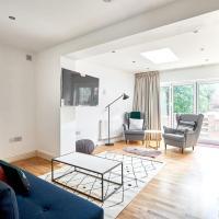 2 bed 2 bath Garden Apartment in Islington