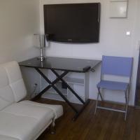 Single room Etoile Victor Hugo