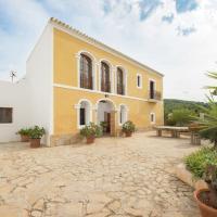 Country House with Garden in Santa Gertrudis de Fruitera
