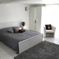 Apartment 36 m², hotel near Dijon Bourgogne Airport - DIJ, Bretenière
