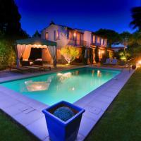 Villa Saint Tropez dans petit domaine clos et gardienne 500m de la mer