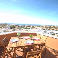 Penthouse with panoramic sea views
