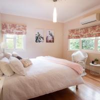 Crown Cottage Adeline