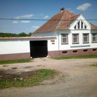 Casa din Barcut