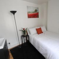 Quirky double room with Shared Bathroom in Oxford street, Soho 2FL