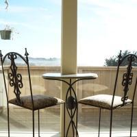 Driftwood Beach House @ Moonstone Beach - Ocean Views & Beach Access