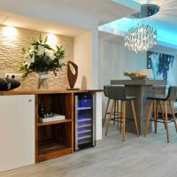Luxury apartment in La Isla, Puerto Banus