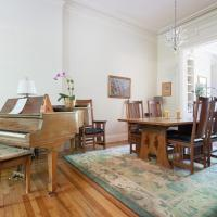 President Street Townhouse by Onefinestay